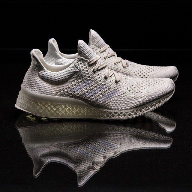 Инновации разработок в производстве обуви: Adidas представили беговые кроссовки с подошвой напечатанной на 3D-принтере. Подробности на buro247.kz Innovation of footwear production: Adidas Futurecraft 3D: a running shoe with 3D-printed materials. More details on buro247.kz  #sport #adidas #3dprinting #buro247kz by buro247kz