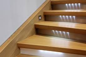 Die Besten 17 Ideen Zu Holztreppe Renovieren Auf Pinterest Fotowand Treppe Wandgestaltung