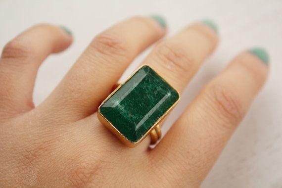 square cut green emerald gold ring