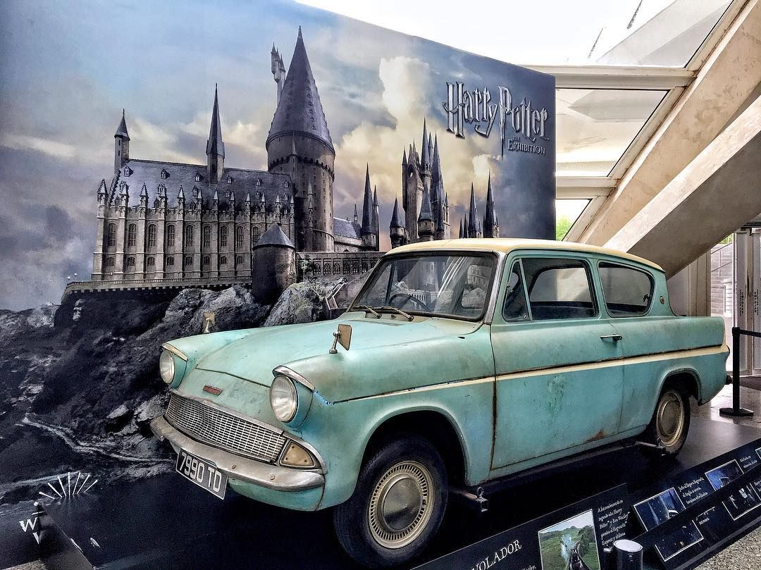 Flying Ford Anglia Flying Ford Anglia Harrypotterexpo Harrypotter