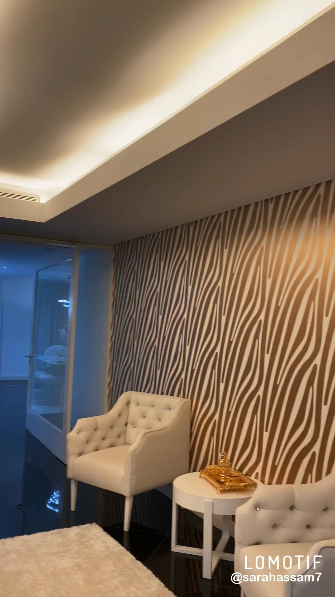Gold entryway Decor #interiordesign #interiordesignideas #goldinterior #entrywaydecorating #entrywayideas