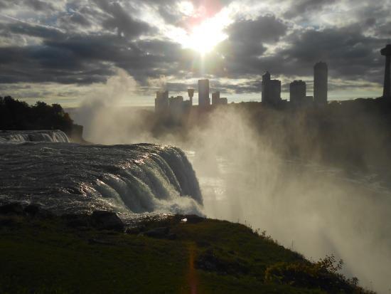 Comfort Inn The Pointe Niagara Falls Ny Hotel Reviews Tripadvisor Niagara Falls Ny Trip Niagara Falls New York