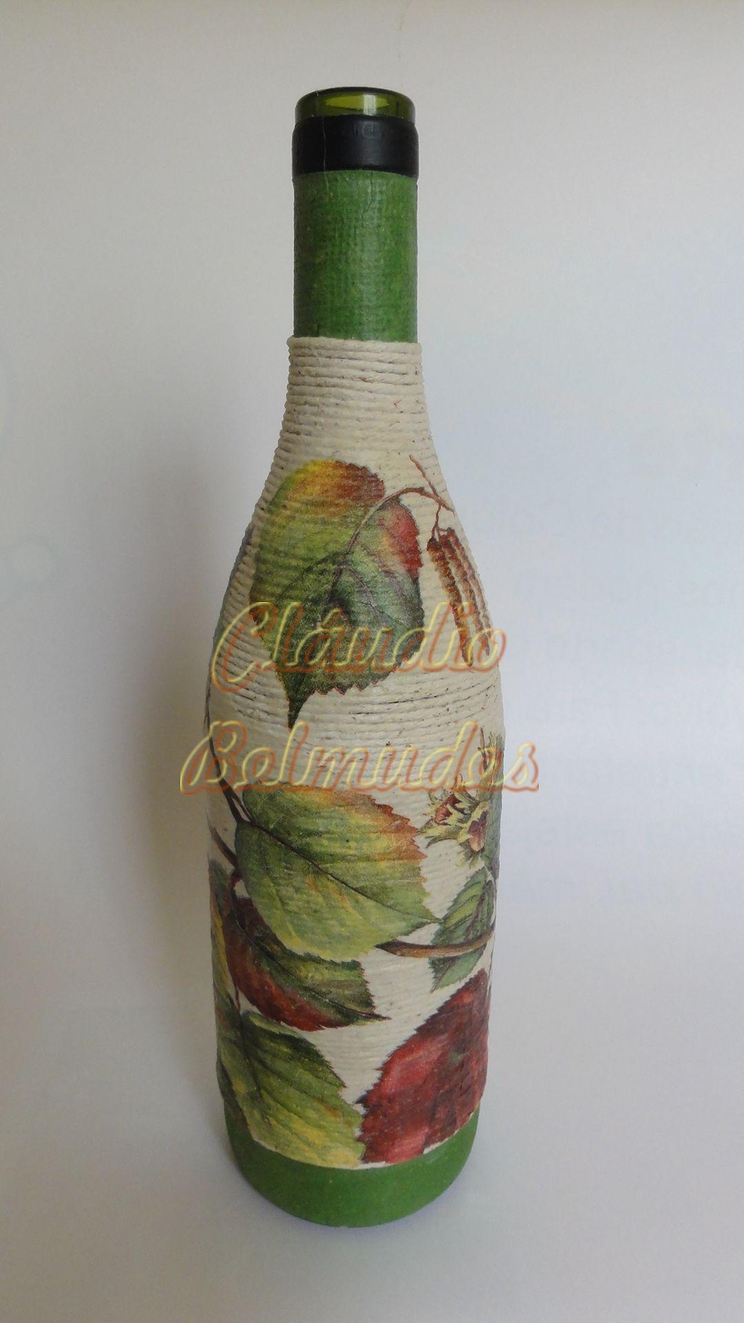Garrafa de vinho decorada com barbante e decoupagem Garrafas decoradas Pinterest Garrafas  -> Decorar Garrafas De Vidro Com Barbante