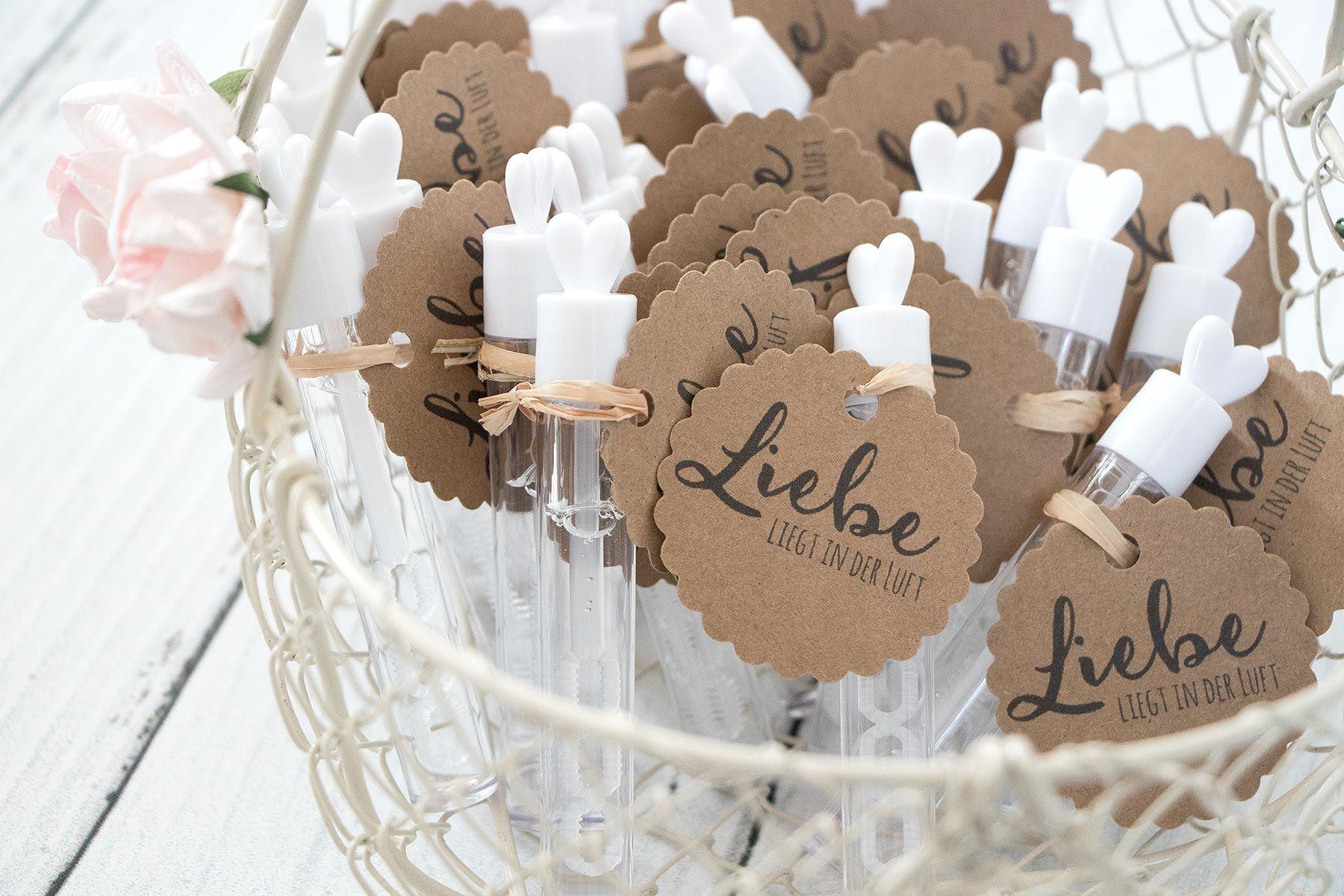 Anhanger Fur Wedding Bubbles Seifenblasen Zur Hochzeit Als Freebie Zum Download Seifenblasen Hochzeit Hochzeit Aktivitaten Wunderkerzen Hochzeit