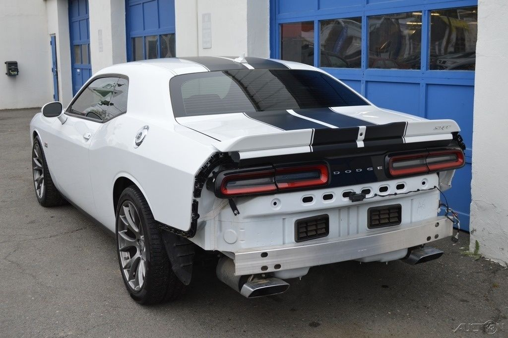 2015 Dodge Challenger SRT 392 Rebuildable Salvage | Wrecked sport ...