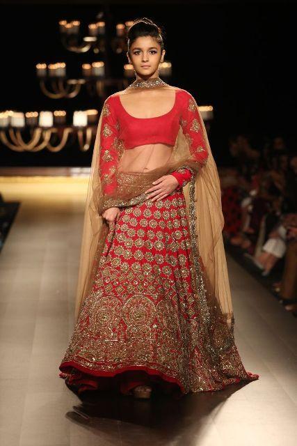 54703398b0c Updated bridal stylish lengahs collection by Manish Malhotra designers 2014  2015 (10)