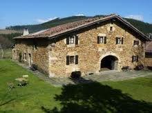 Caserios vascos basque vascos pinterest espa a traje t pico y pa s vasco - Casas rurales pais vasco frances ...