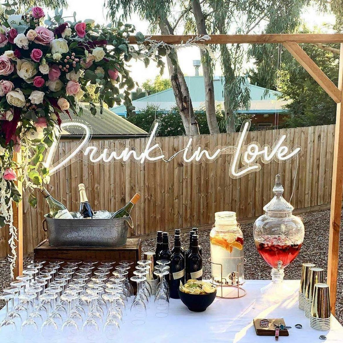 21 Best Neon Wedding Signs: Fun Light-Up Neon Signs for Cool Couples