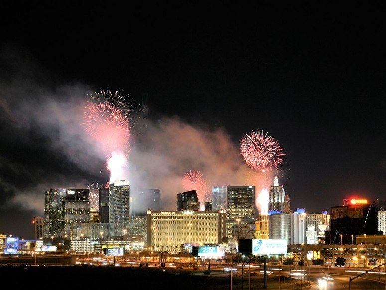Las Vegas Usa New Year S Eve Around The World Las Vegas Usa Celebration Around The World
