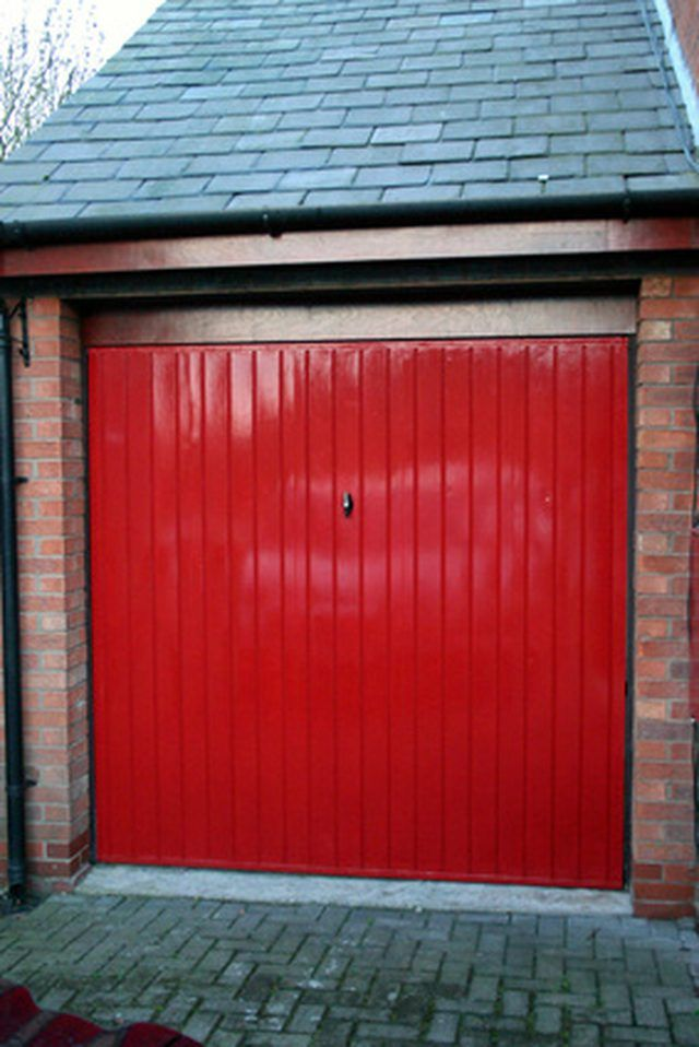 Clean And Paint Metal Surfaces To Give It A Fresh Look Painting Doors Exterior Garage