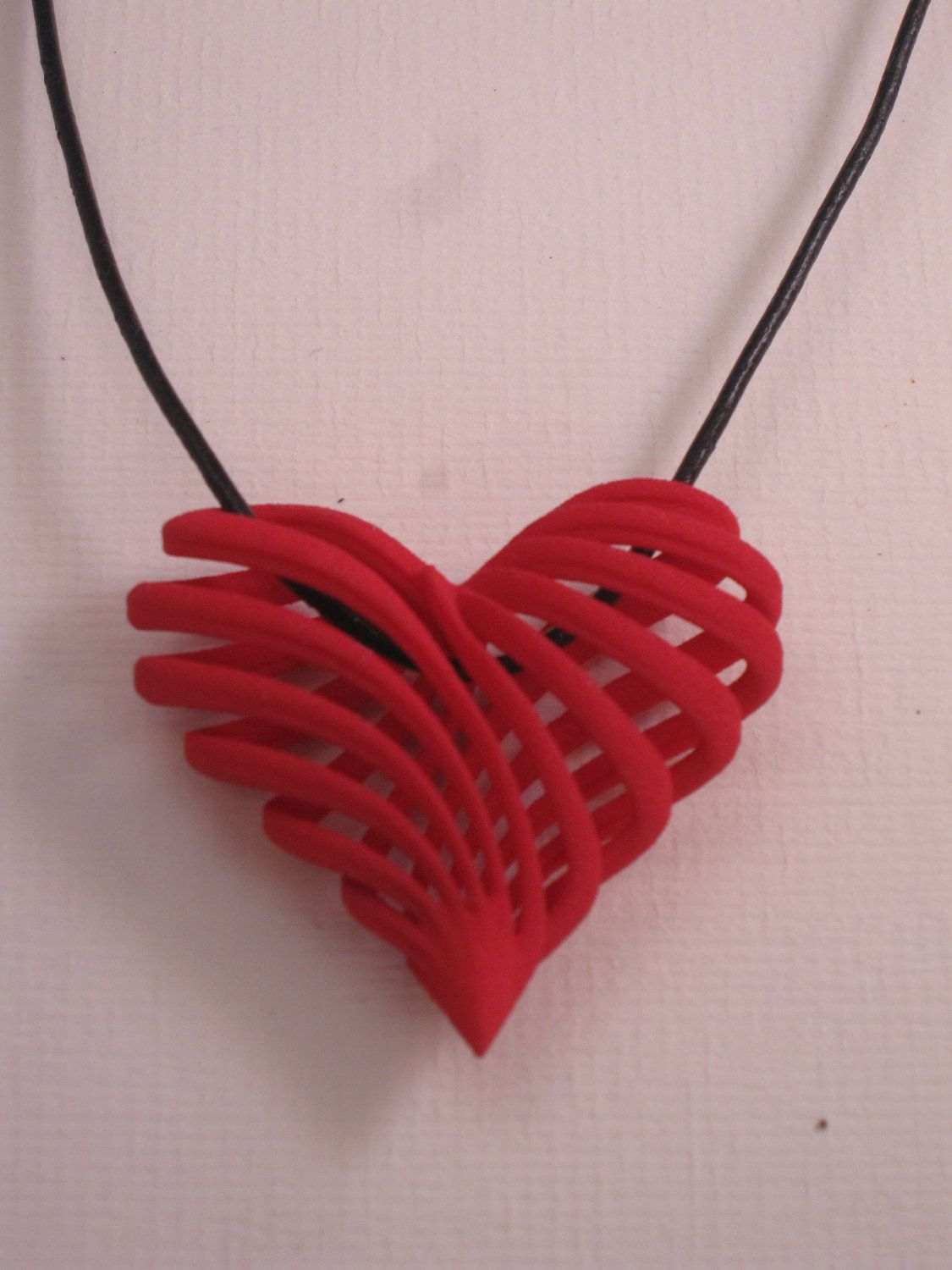 3d printed jewelry My twisted heart pendant by