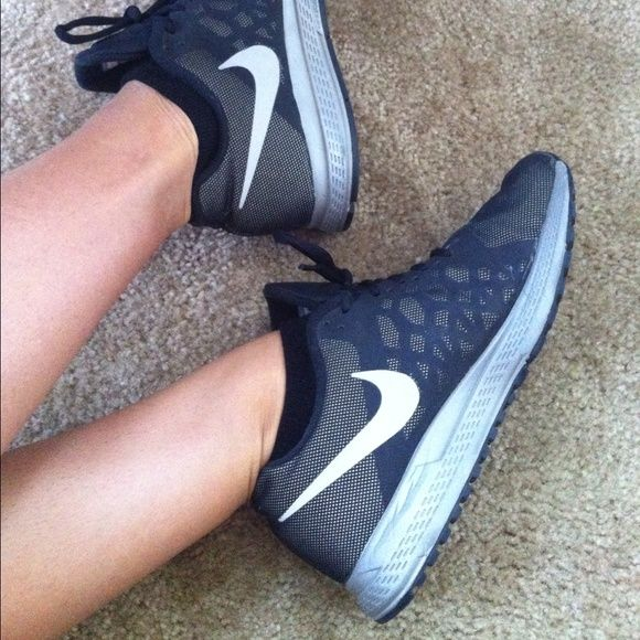 size 40 85ccd 20151 Nike Zoom Pegasus 31 Flash SPECIAL EDITION Nike Zoom Pegasus model, special  flash reflective silver and black color exterior. Water Repellent due to  the ...