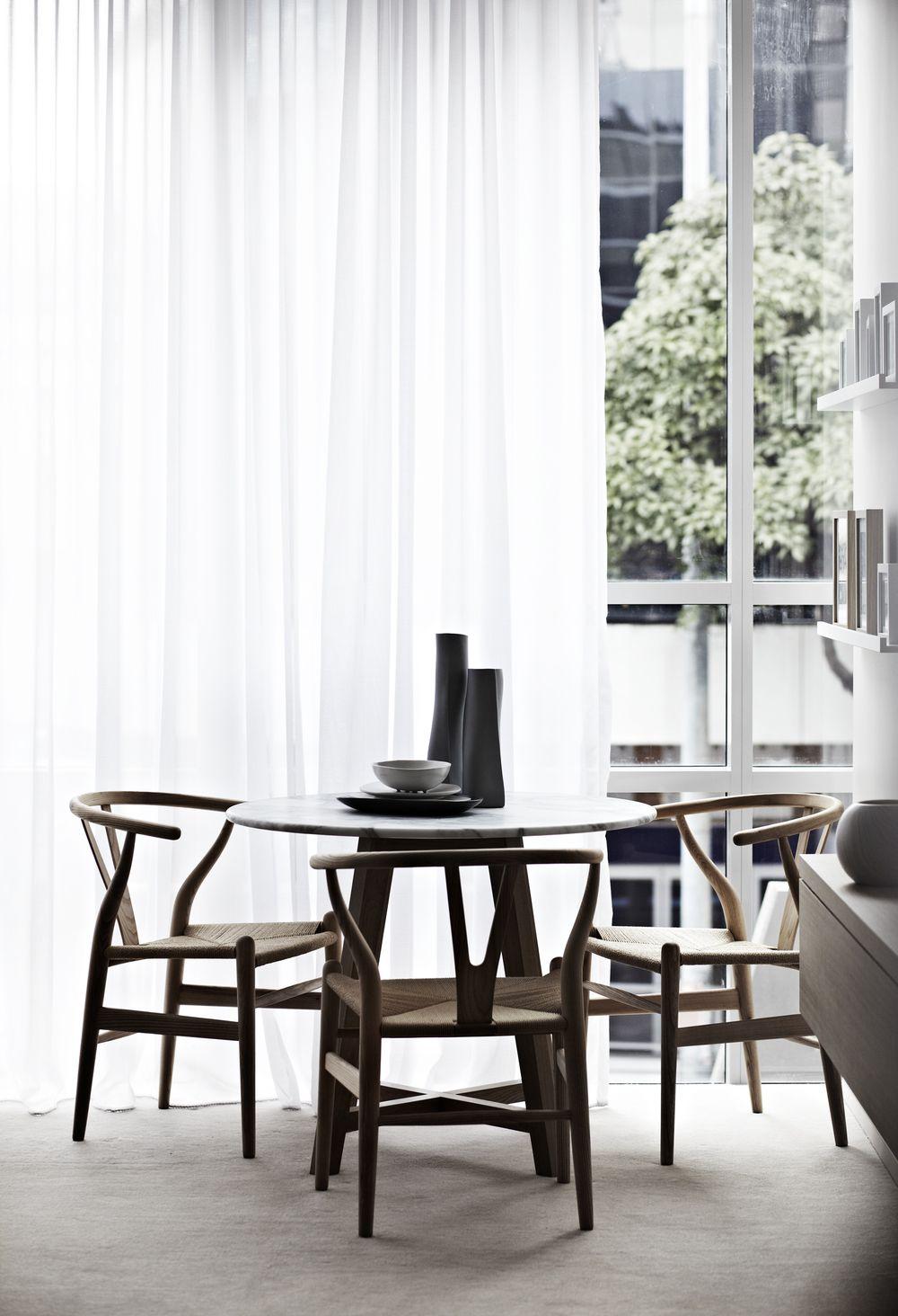 Wishbone chairs by hans j wegner from carl hansen s n for V dining room table