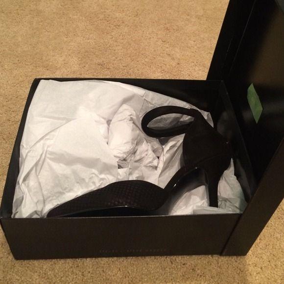 Steve Madden Brand new heels Steve Madden never worn heels Steve Madden Shoes Heels