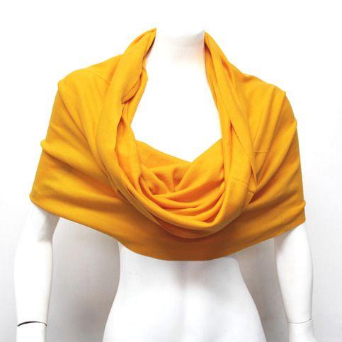 One seamless unisex scarf with more than 10 ways of using it! Standard Size 80% Cotton 20% Polyster. Handmade in Ecuador. -------------- Una bufanda unisex sin costuras con más de 10 formas de usarla. Tamaño standard 80% Algodón 20% Polyester Hecha en Ecuador