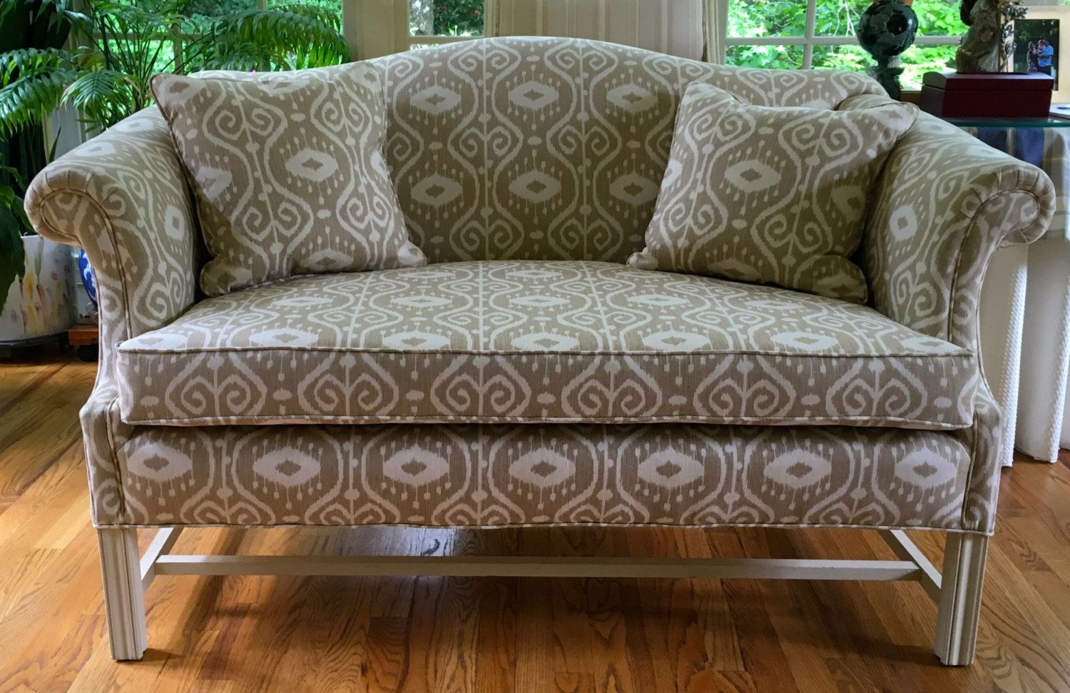 Best Pin On Settees And Loveseats 640 x 480
