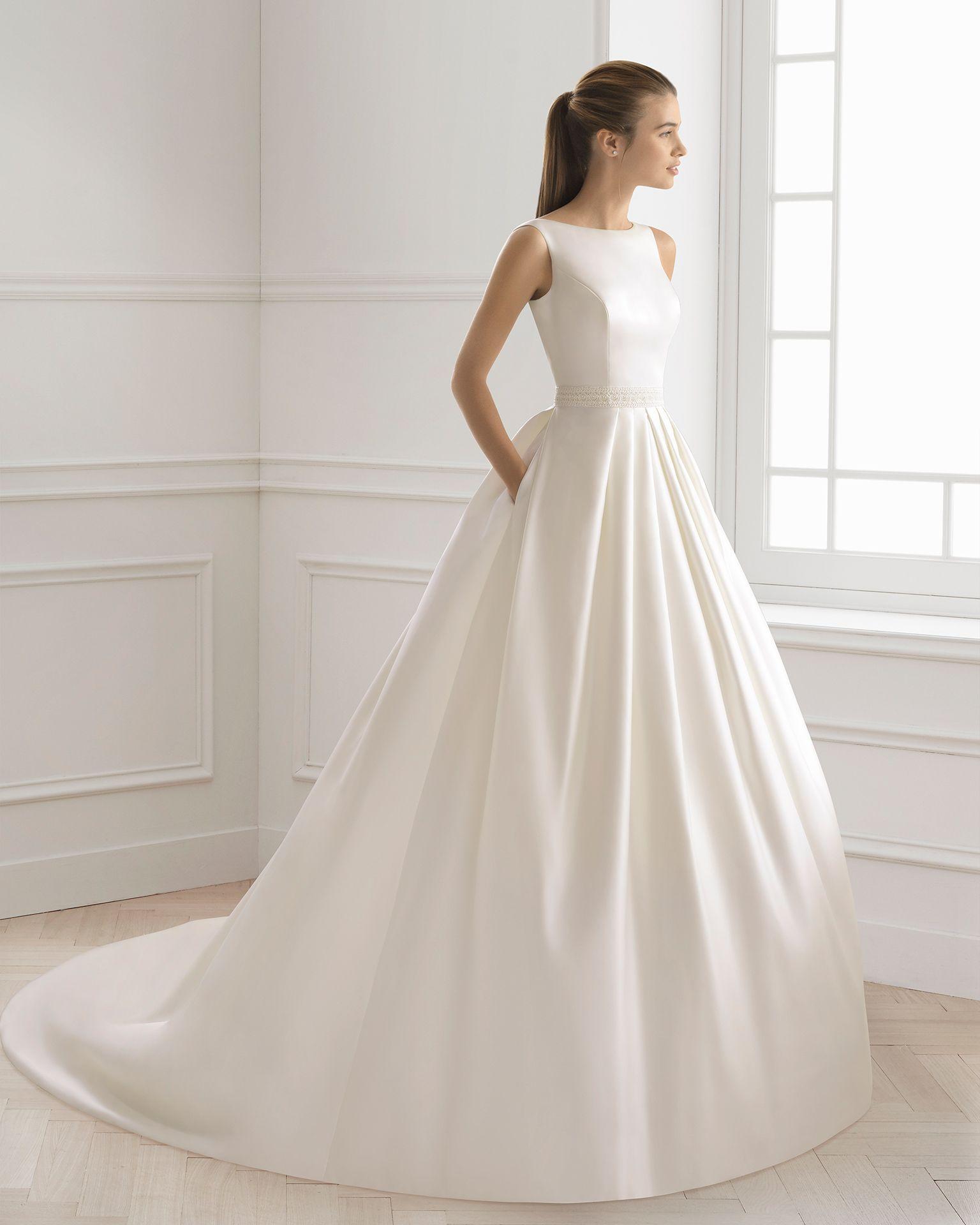 Vestido de novia estilo clásico en raso cbd740f2137