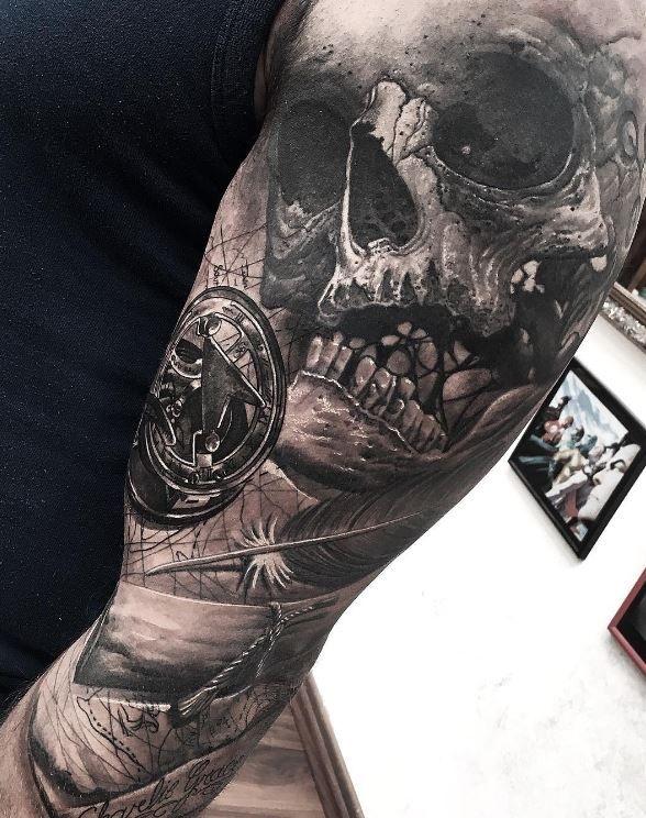 skull and compass tattoo tattoos tattoo ideen piraten. Black Bedroom Furniture Sets. Home Design Ideas
