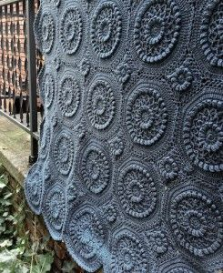 Today on Make It Crochet | Your Daily Dose of Crochet Beauty: Versailles Matelassé Afghan