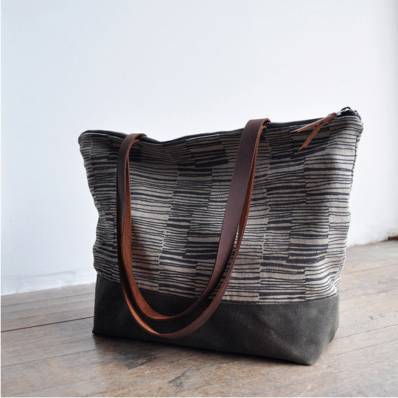 Lines Zipper Tote by bookhou
