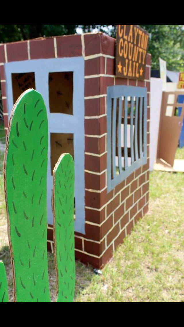 Cardboard jail and cactus DIY