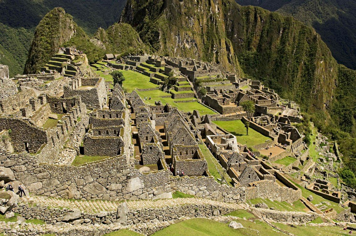 Did you know that the stones that make up every wall on Machu Picchu are so perfectly cut and close together that you can't even fit a blade of grass between them!? Crazy, right? If you want some more fascinating trivia about the Incan Citadel, click the link on our profile to read our new blog post of Machu Picchu facts! This site is full on incredible secrets just waiting to be discovered... l Machu Picchu, Peru l Follow us on Instagram for more!