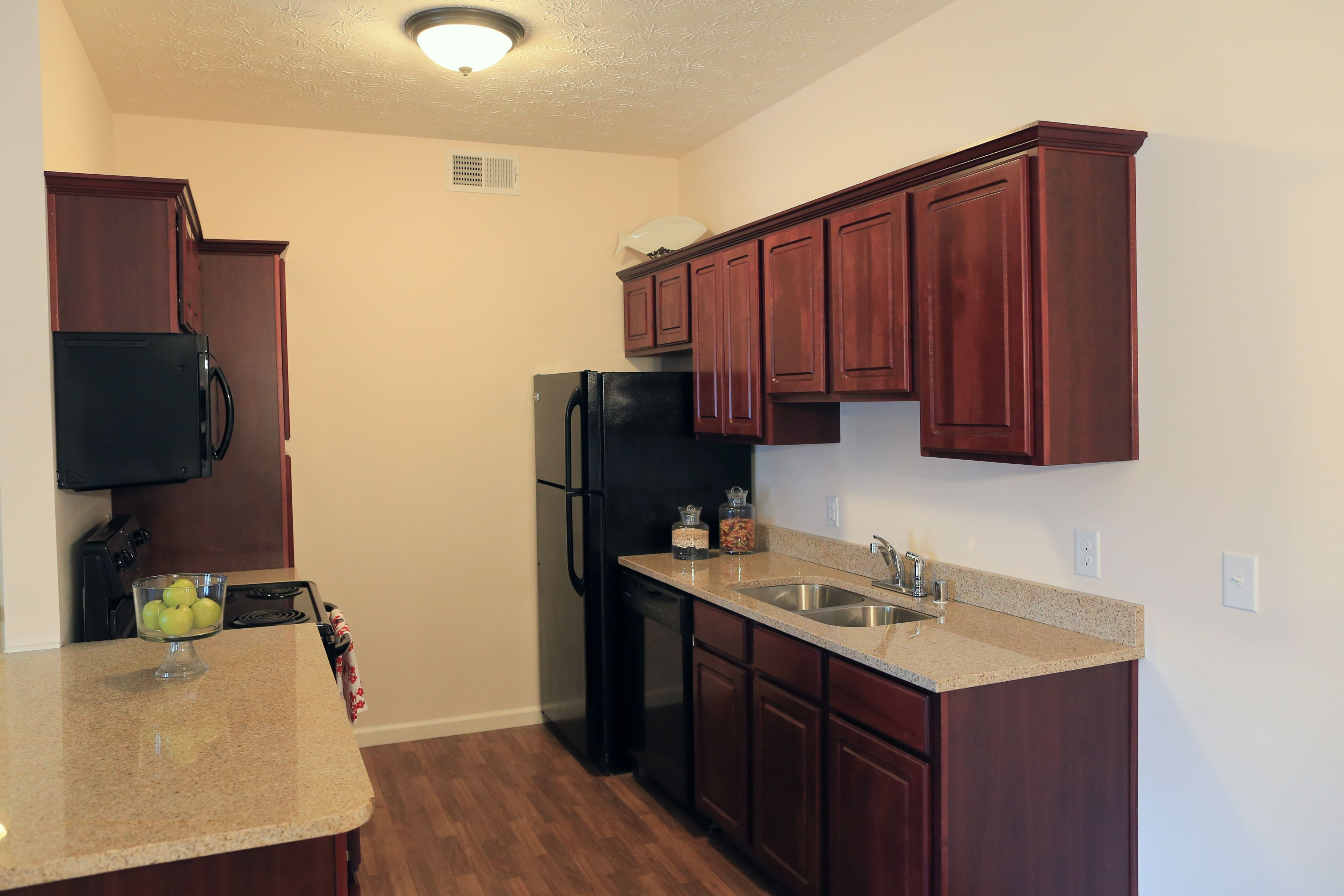 Kitchen Layout, Ashby Green Apartment Homes in Louisville ...