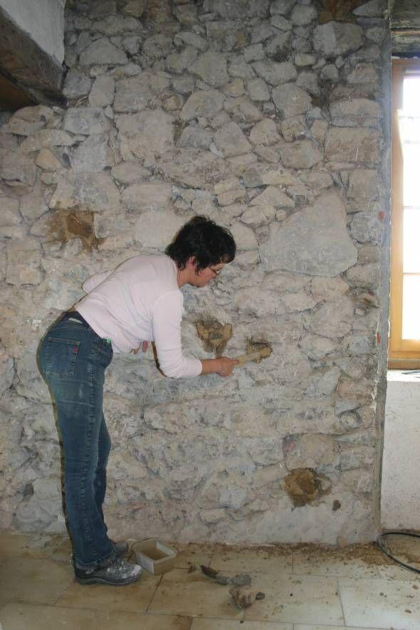rejointoyer un mur pierres vues avec un mortier de chaux. Black Bedroom Furniture Sets. Home Design Ideas