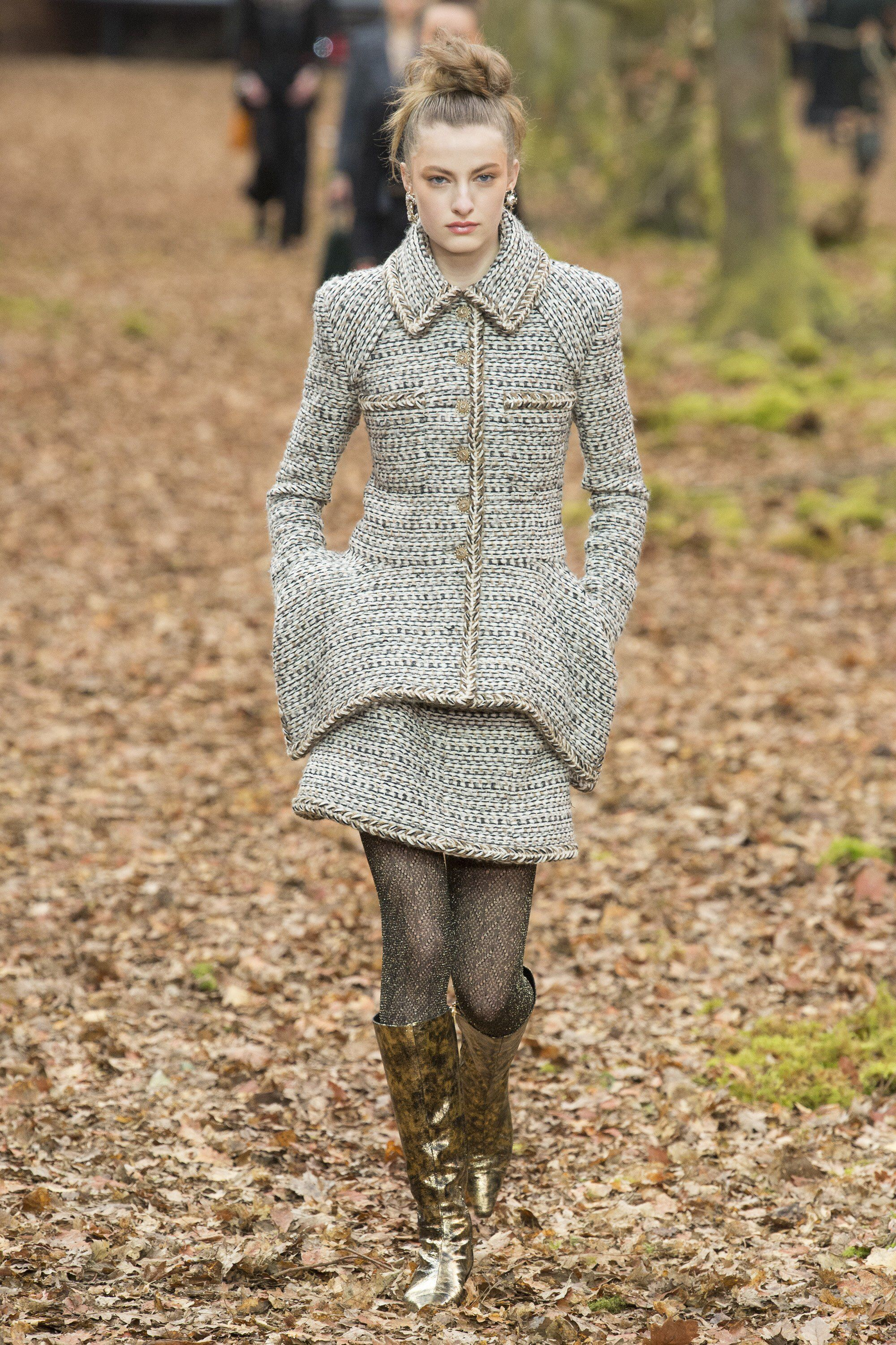 Chanel Fall 2018 Ready To Wear Fashion Show Collection