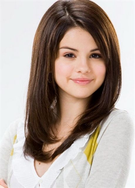 Long Layered Haircuts For Round Faces Hair Styles Hairstyles For Round Faces Round Face Haircuts