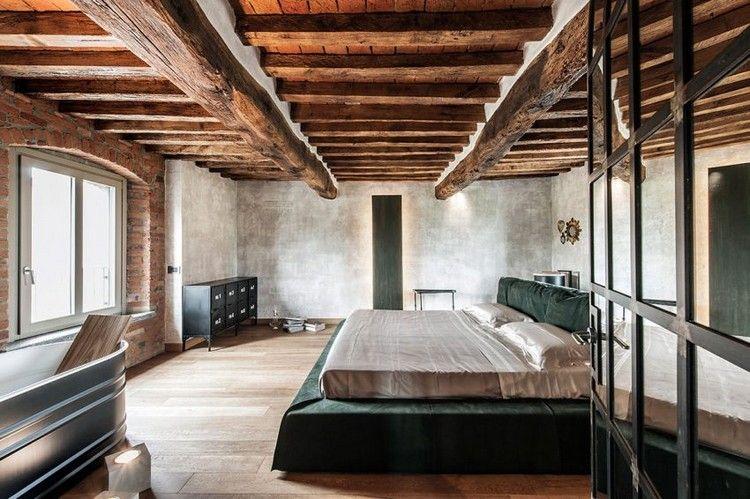 chambre rustique avec plafond en bois sol en parquet massif et lit deux places en - Sol De Chambre En Teck