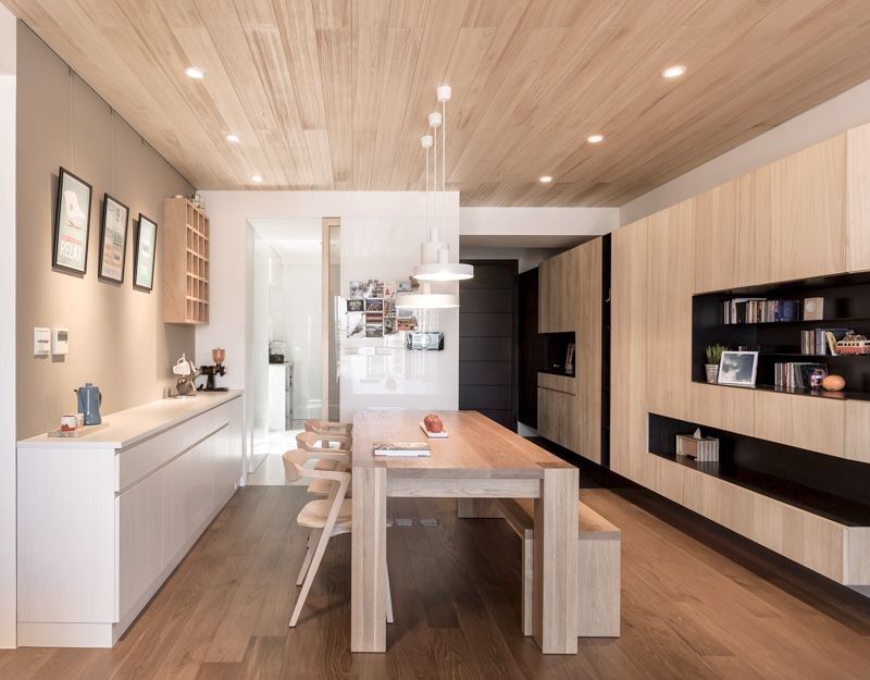 Apartment celebrates the look of natural wood by partidesign