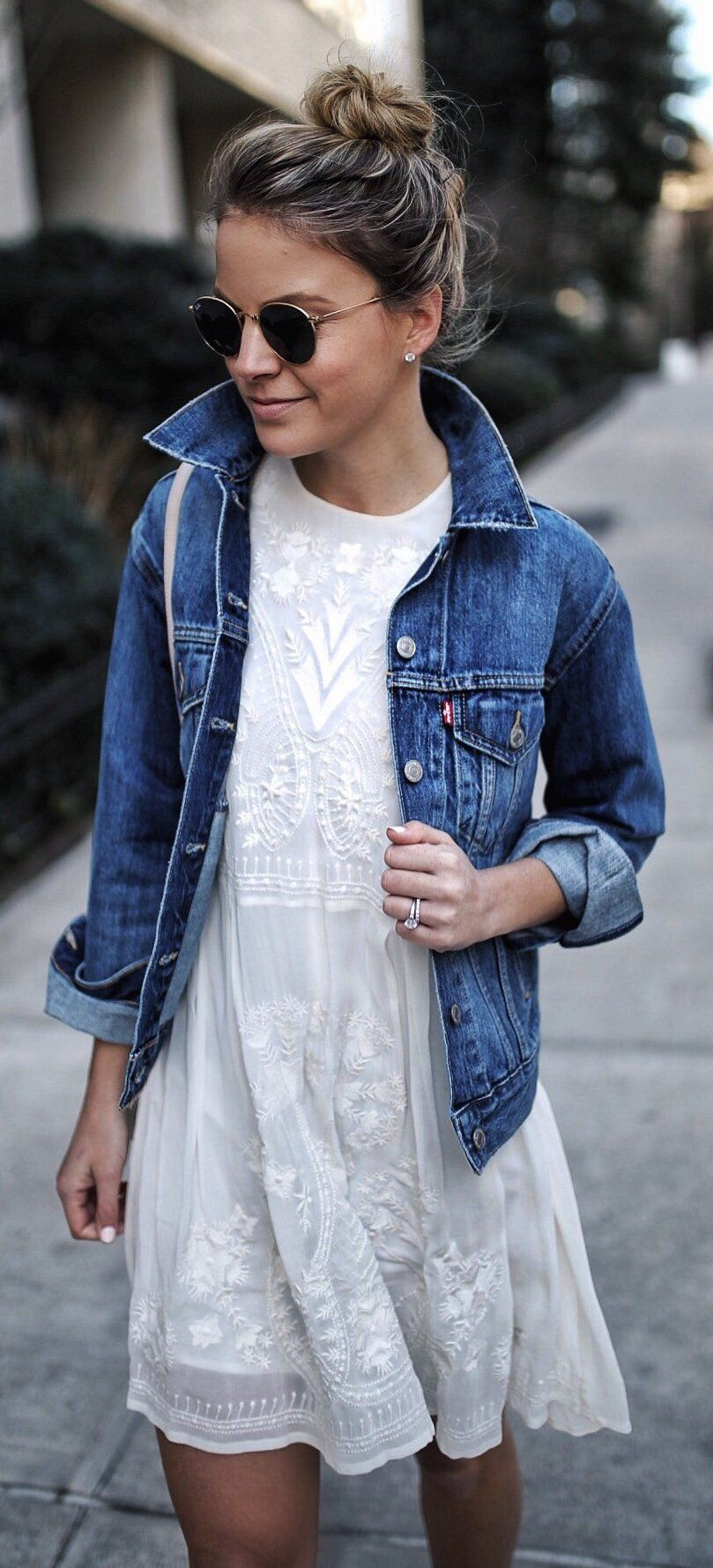 new product 38c0b 640bd Denim Jacket & White Lace Dress | SUMMER | Abiti casual ...