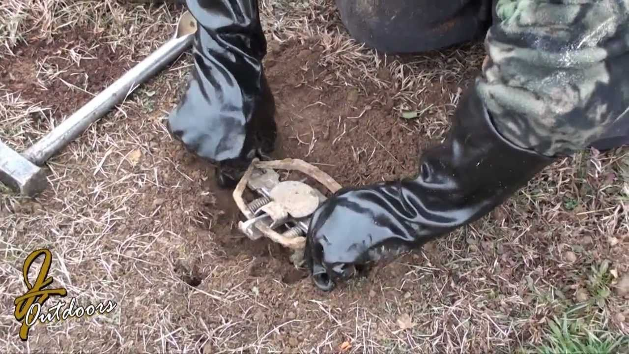Trapper Paul Dirt Hole Set For Coyote And Fox Trapping Snaring