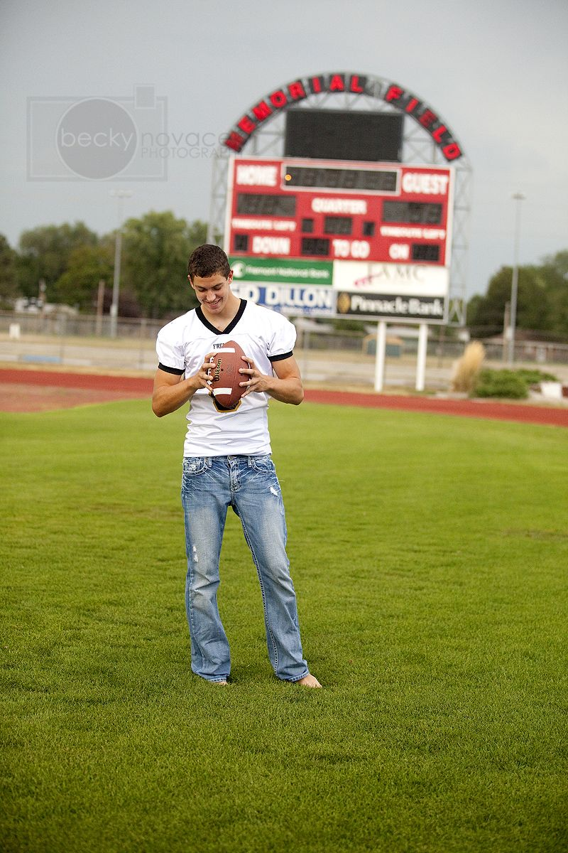 Pin by Heather Crawford on Photography | Football senior ...