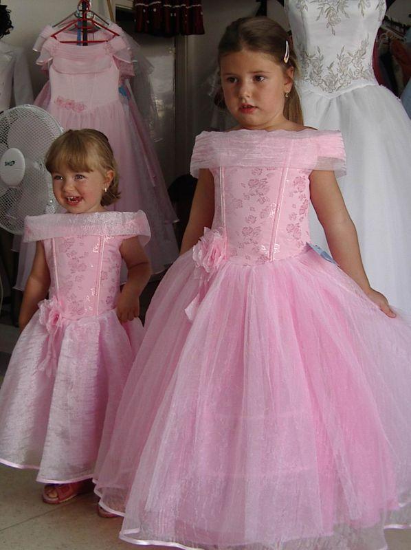 9c31f8ed11 Gyermek koszorúslány ruhák - SISSY RUHAKÖLCSÖNZŐ :: Szép ruhák a fontos  napokra :: táncruha
