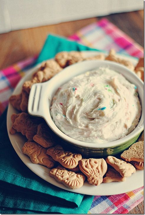 Funfetti Cake Dip (light) | Eat Yourself Skinny