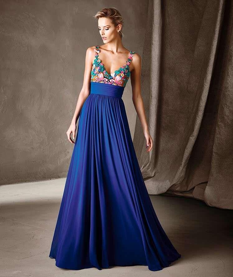 ae71ca78b903 Abito blu con top decorato Pronovias