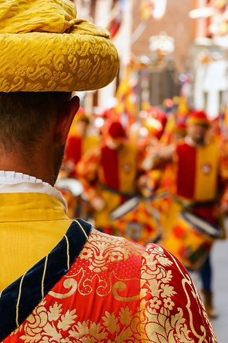 red and yellow, palio, Siena