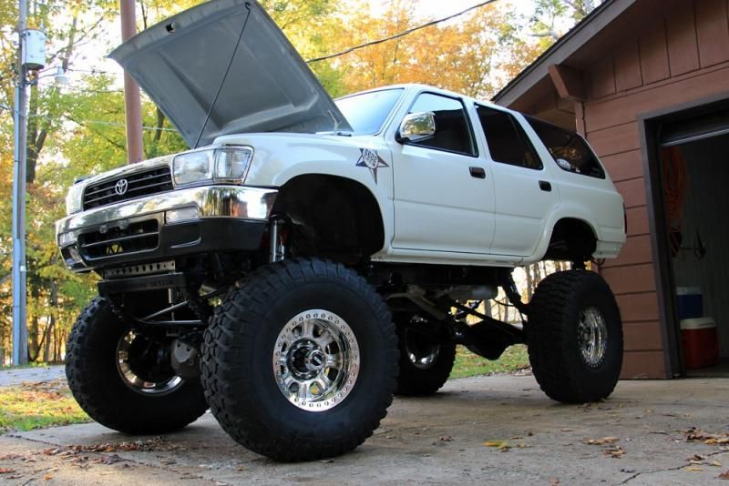 Badass 2nd Generation Rock Crawler Show Truck Toyota 4runner Toyota Trucks 4runner