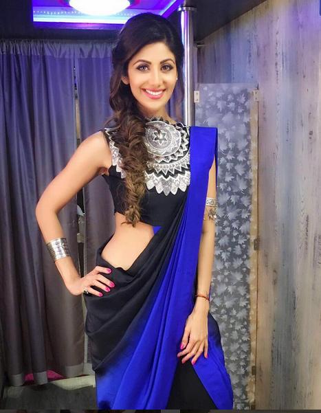 f7fae03fffaae3 Shilpa Shetty In A Blue Black Outfit