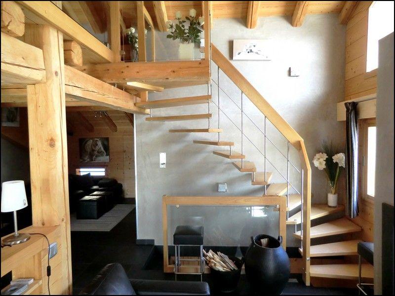 escalier suspendu arrivant sur mezzanine de chalet escaliers sur mezzanine pinterest. Black Bedroom Furniture Sets. Home Design Ideas