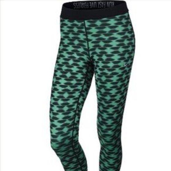 Nike Dri-Fit Crop Leggings | Cropped leggings, Pants for ...
