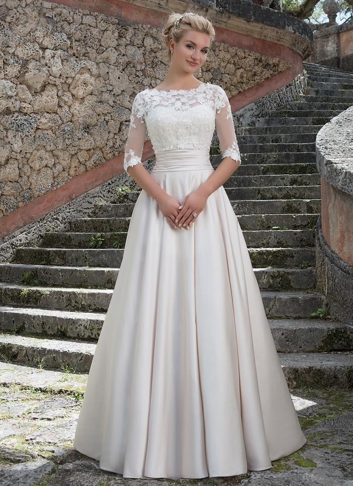 2016 Elegant Grace Kelly Inspired A Line Bateau Half Sleeves Lace Top Buttons Back Court Train Ivory Satin Cu Mit Bildern Hochzeit Kleidung Hochzeitskleid Kleider Hochzeit