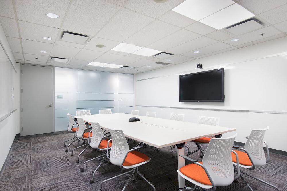 Meeting rooom at tetra tech office interior design by for Modern tech office design