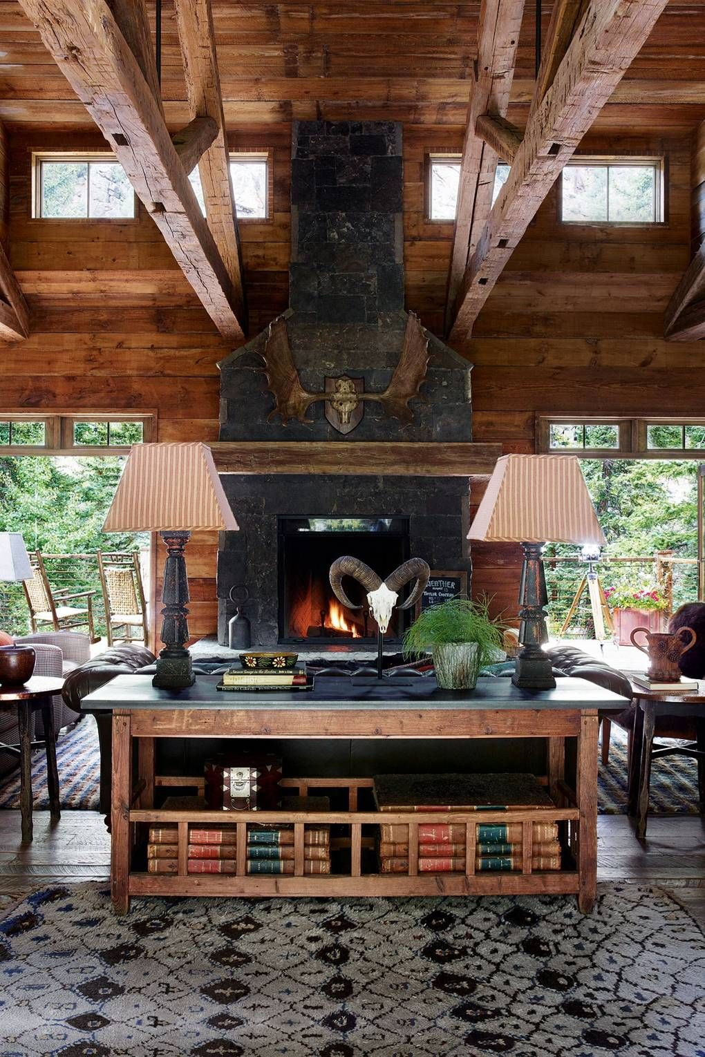 An offgrid & achingly stylish Rocky Mountain retreat (с