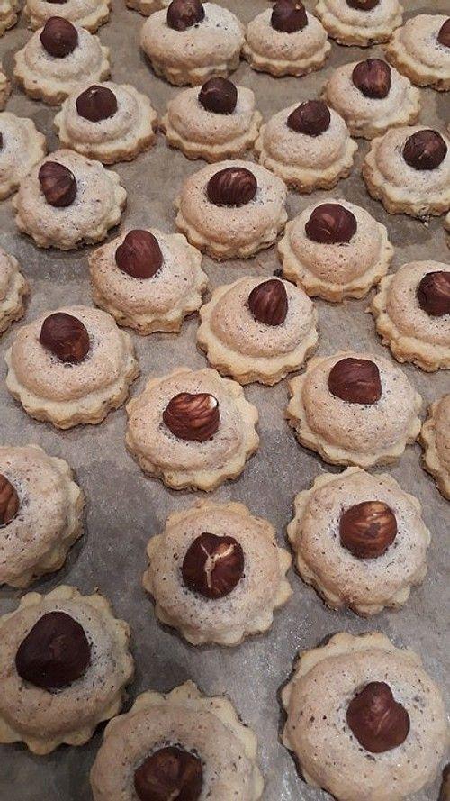 Nussplätzchen oder Nussmakronen von Nutellalein | Chefkoch