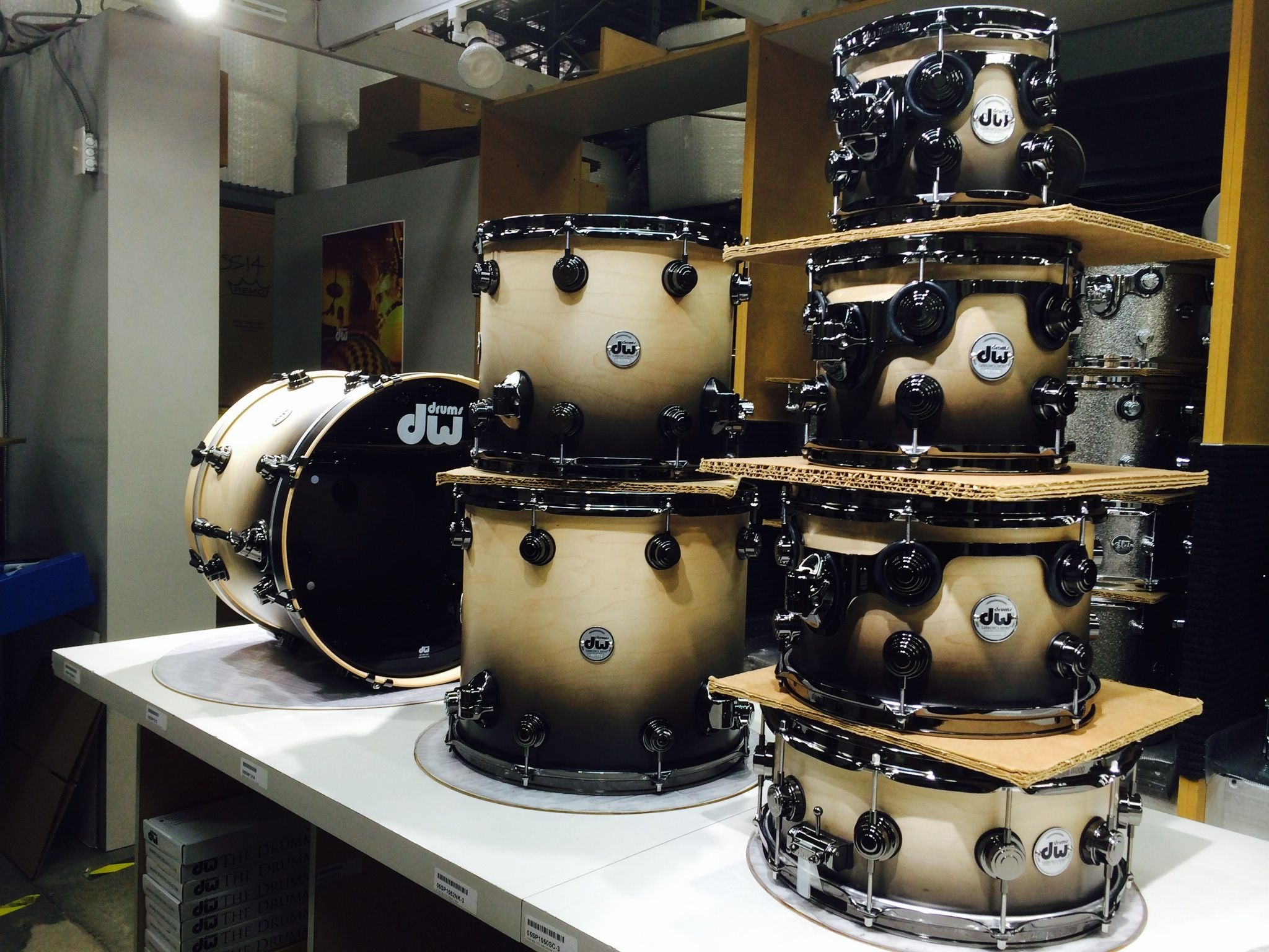 Dw Shop Natural To Ebony Fade Factory Drums In 2019 Drum Kits Drums