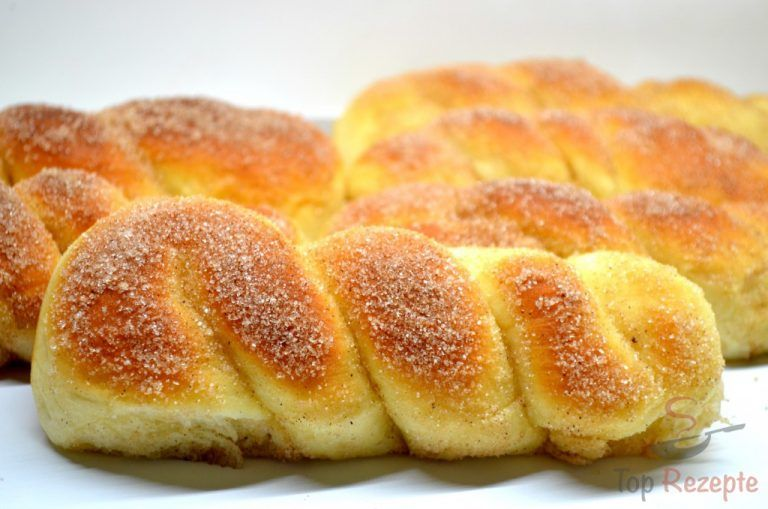 Photo of Cinnamon yeast braids from the oven – photo instructions