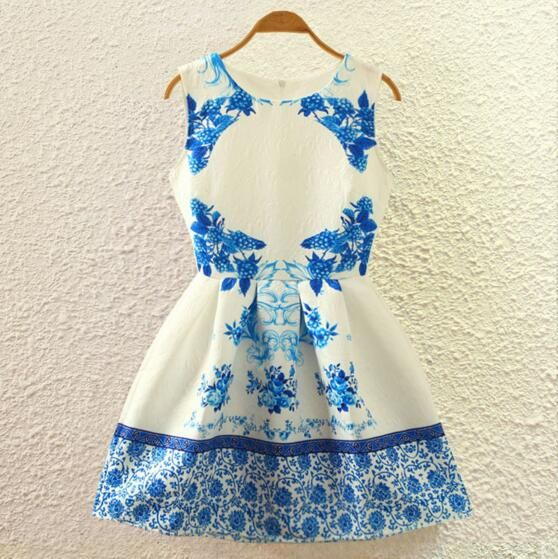 FAST SHIPPING 2016 New Summer Fashion Women's Vintage White Blue Floral Prints Sleeveless A-line Dress